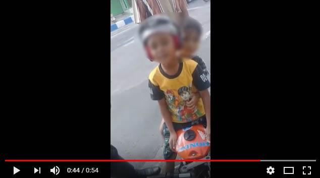 Anak TK Nangis, Sepeda Motor Mini nya diberhentikan Pak Polisi