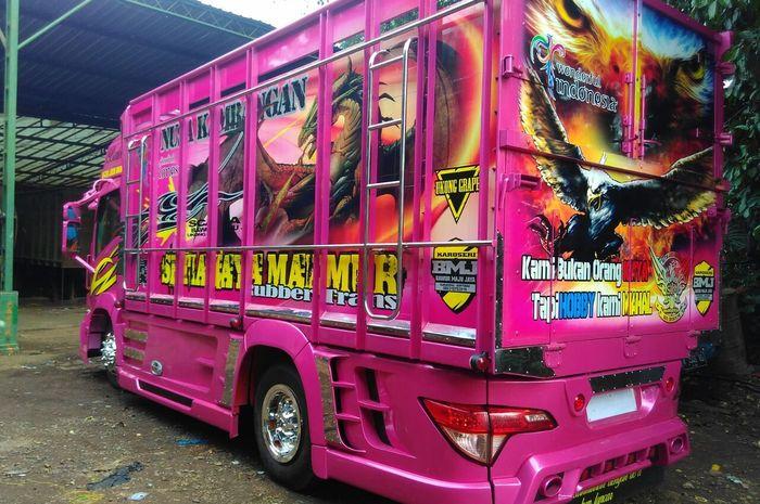 Truck Ala Transformers, Salah-satu Hasil Variasi Bengkel Bawor
