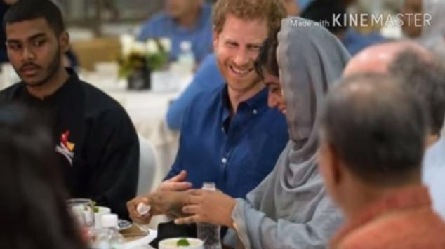 Viral, Ngintip Panggeran Harry Berbuka Puasa Bersama Komunitas Muslim Inggris