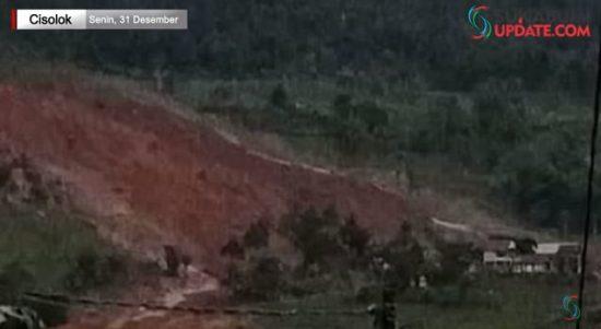 Puluhan Rumah Adat di Kabupaten Sukabumi Tertimbun Longsor