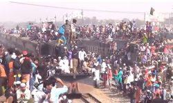 Amboyy, Hanya Ada di Bangladesh katanya – Pengguna Kereta Api Terpadat di Dunia