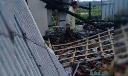 Diduga Bermula dari Lilin, Di Ciamis Sebuah Rumah Ludes Terbakar